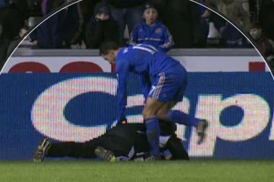 hazard-ballboy-Swansea vs Chelsea