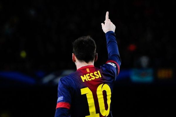 FC Barcelona v AC Milan - UEFA Champions League Round of 16-Messi