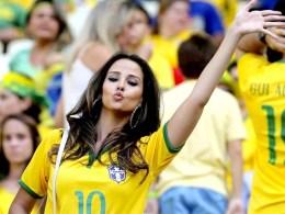 hot-brazil-fan