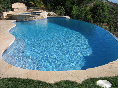 Tips for Keeping a Custom Pool in Pristine Condition