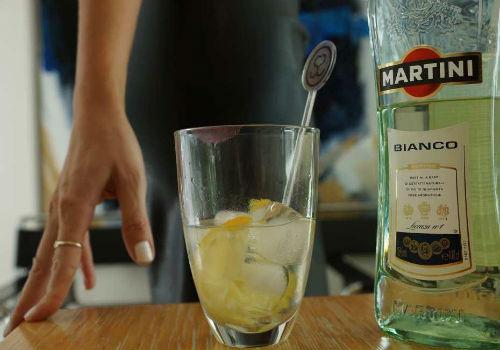 Richtig martini servieren bianco So servieren