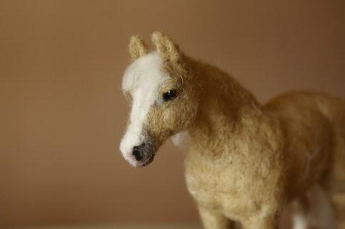 needle-felting-horses-palomino