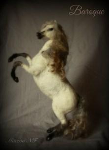 needle-felting-white-horse-minzoo