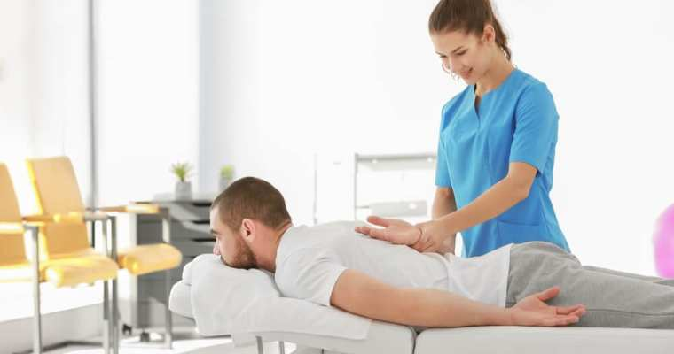 How chiropractors adjust your back