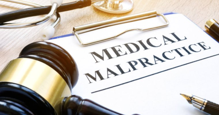 Tips to help you to hire a good medical malpractice lawyer