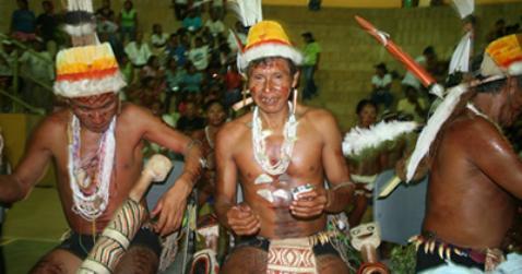 140222 indigenas