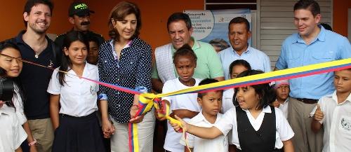 Cancillería inauguró los dormitorios para niños de colegio de Piñuña Negro, Putumayo