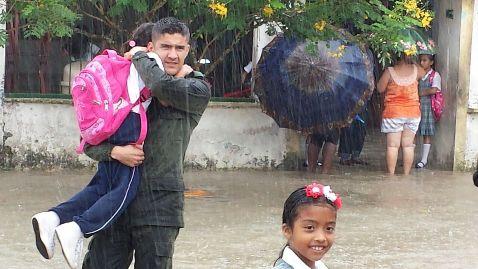 En Puerto Caicedo, estudiantes llegan a estudiar gracias a la Policía