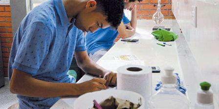 Foto: Cortesía / Unal Varios estudiantes cumplen sus actividades académicas en la sede de la Universidad Nacional en Arauca.