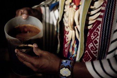 Las bebidas de los indígenas fueron prohibidas por el catolicismo. / AFP
