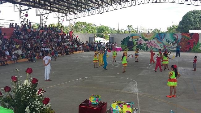 Dotación de 80 trajes para la escuela de danzas de San Miguel (Putumayo)