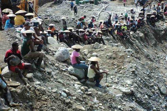 Ofensiva de la Fiscalía contra la minería ilegal de oro