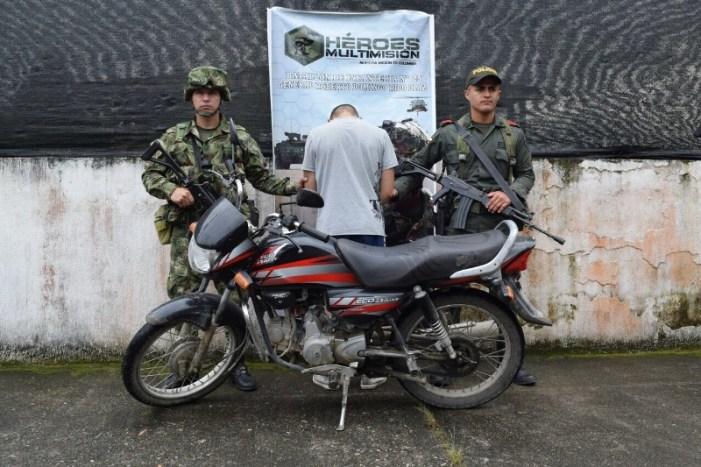 Ejército capturó en Puerto Guzmán Putumayo a una persona con motocicleta hurtada