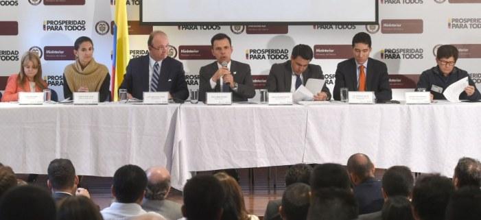 """""""Nuestra principal preocupación son las personas de Mocoa"""": Mindefensa"""