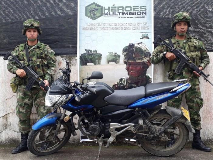 Ejército recupera moto robada en Puerto Guzmán (P)