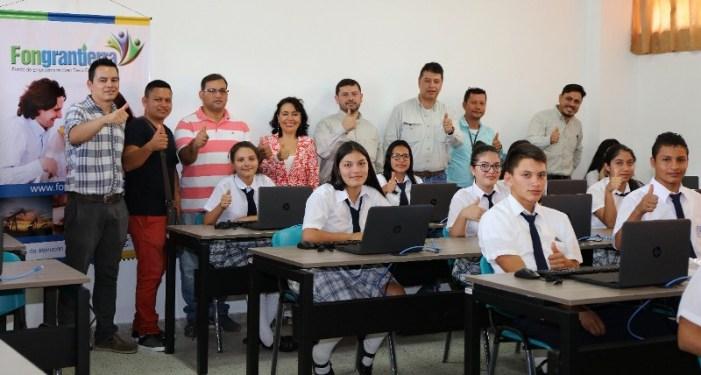 Gran Tierra y su Fondo de Empleados hacen entrega de aula informática a institución educativa en Mocoa