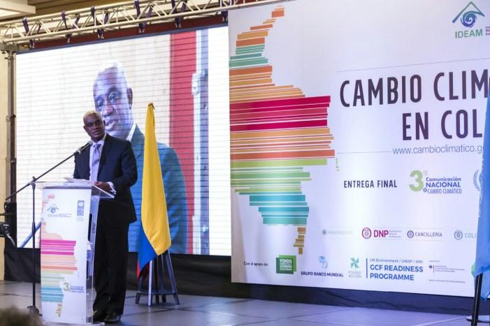 Ministro de ambiente solicita agilizar herramientas para enfrentar el cambio climático en el país