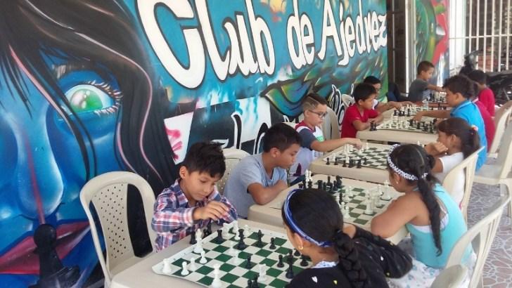 "Club de Ajedrez ""El Octavo Peón"" realiza torneo municipal de ajedrez – Adulto / Infantil"