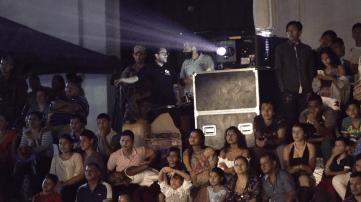 Chicos, Cine Colombia y Armada Nacional