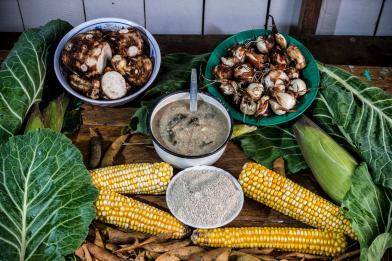 Ingredientes: Maíz, cuna, guasimba, frijol, choclo, col.