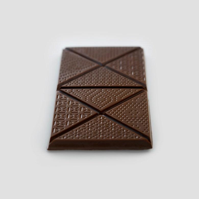 lavernia-cienfuegos-utopick-chocolates-corporate-identity-packaging-chocolate-bar-09