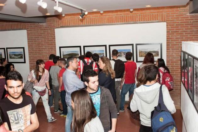 Las fotografías del proyecto se expusieron en abril de 2014 en la Escuela de Arte de Talavera de la Reina (fotografía procedente de la página de facebook de la E.A. Talavera)