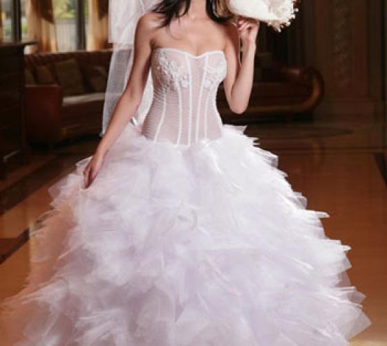Самые модные, красивые и пышные свадебные платья летом ...