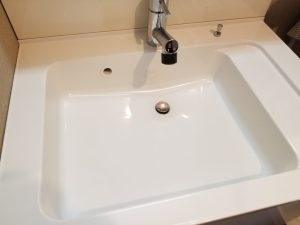 【過炭酸ナトリウム&ウタマロ】で簡単ピカピカ!洗面台のお掃除法