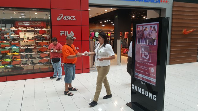 Evangelising in the mall