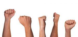 Tunnistamisen jälkeen voit hyväksyä vihasi ja sen jälkeen purkaa sitä toisia vahingoittamatta
