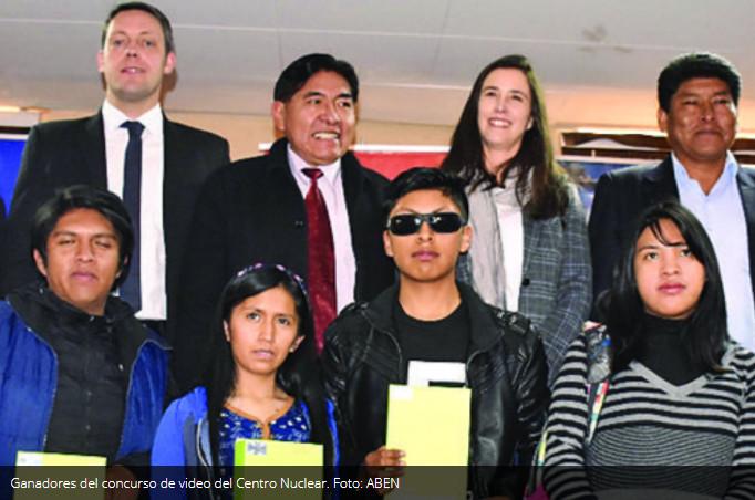 ABEN premia a nueve estudiantes de la UPEA