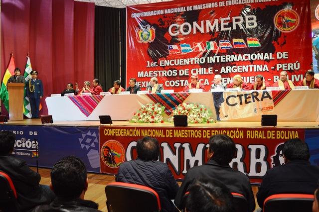 Presidente inauguró primer Encuentro Internacional de Maestros de Latinoamérica en Bolivia