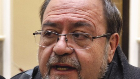 Aguilar aclara que no hay comisión para la refundación
