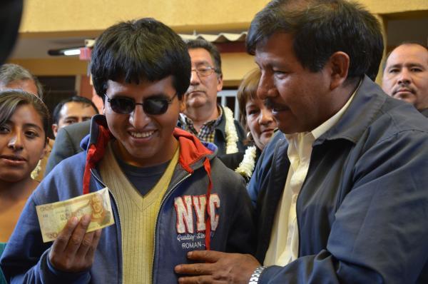 Bono Juancito Pinto se pagará a 23 mil estudiantes con discapacidad