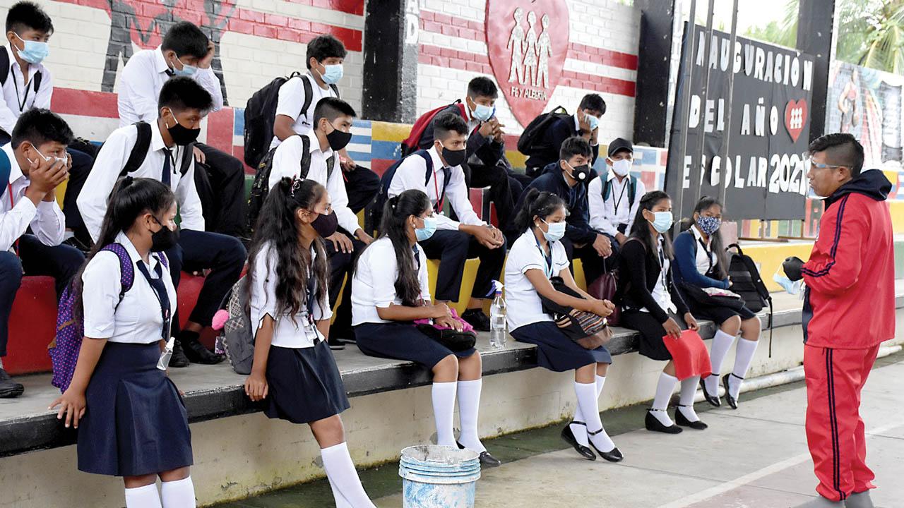 Educación ratifica que no habrá clases presenciales en municipios de alto riesgo de contagio