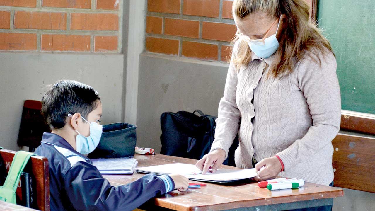 Monja ícono de la educación española enseñará a bolivianos