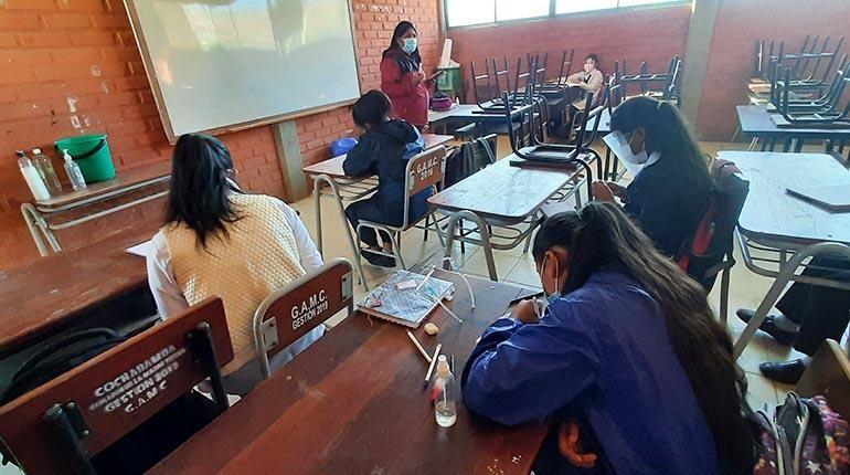 Maestros denuncian que no existe un plan para retorno a clases