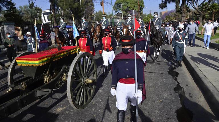 Cochabamba celebra efeméride entre pedidos de unidad e incidentes protocolares