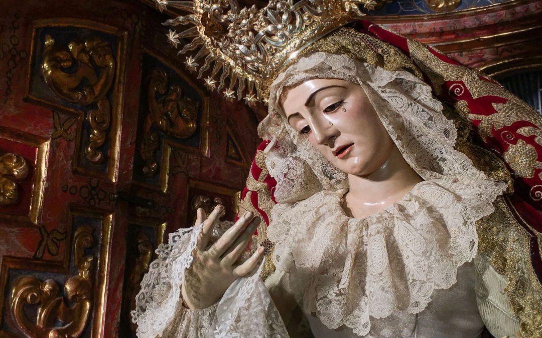 LA VIRGEN DE LOS DOLORES ATAVIADA PARA LA FESTIVIDAD DEL CORPUS CHRISTI