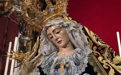 LA VIRGEN DE LOS DOLORES YA PRESIDE EL ALTAR MAYOR DE LA COLEGIAL