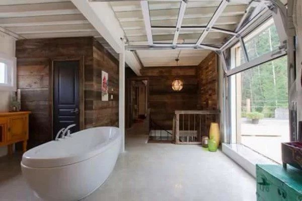 Banheira, vitrine e sacada!