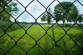 Black Fuse Bonded Chain Link Black Chain Link Fencing for sale