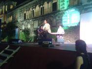 Cantando Hugo Salazar