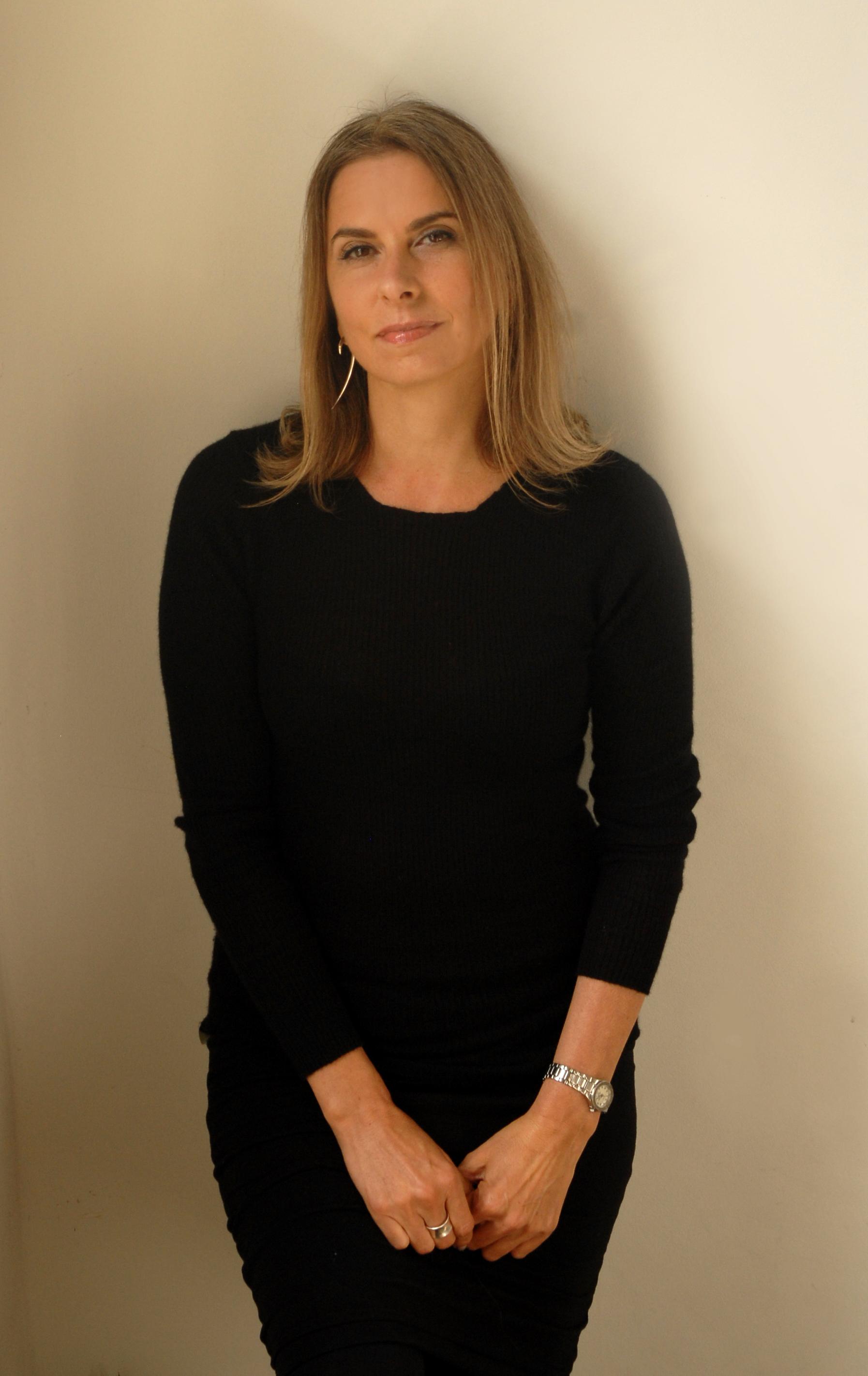 Maria Ingold - Midshot