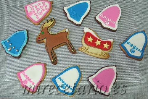 Variedad de galletas decoradas con forma de campana