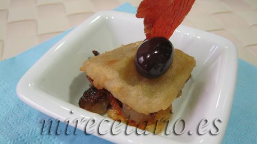 Cardo frito sobre cebolla caramelizada y jamón de Teruel con olivas negras del Bajo Aragón