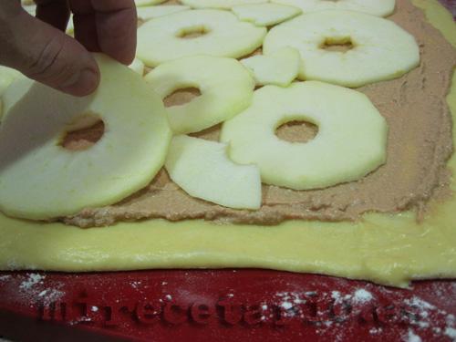 La manzana sobre el foié