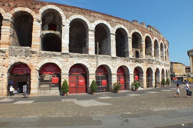 Opéra à Vérone en été