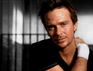 connor-sean-patrick-flanery-31888047-1000-762