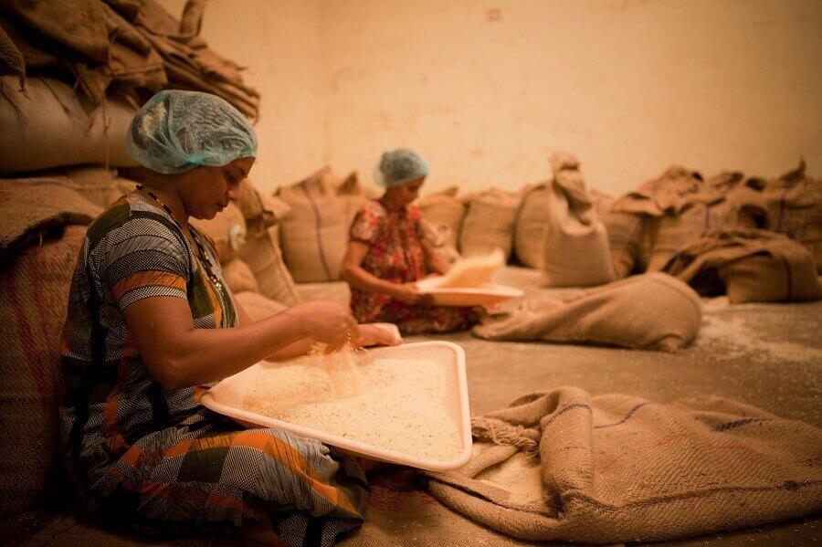 mujeres-trabajan-mangalore-india